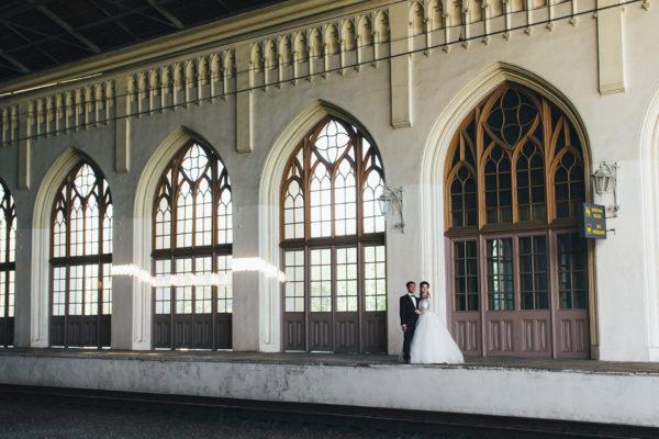 свадебная фотосессия на вокзале